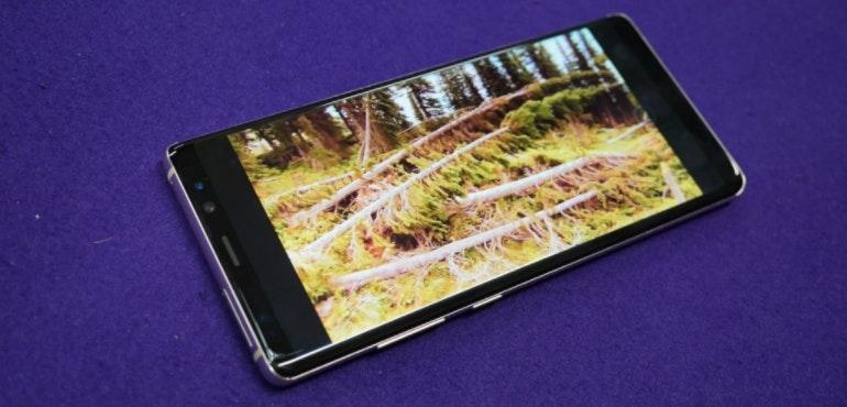 Samsung Galaxy Note 8 screen woodland hero size