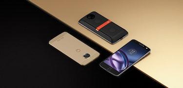 Motorola Moto Z and Moto Z Force are Motorola's first modular smartphones