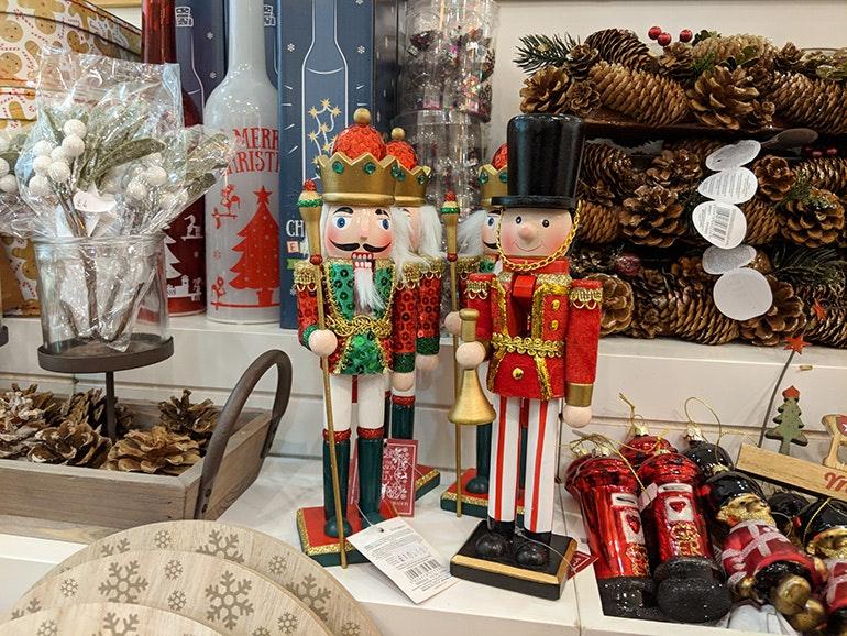 Google-Pixel-2-camera-sample-Christmas-decorations