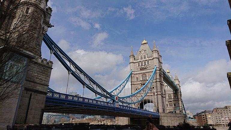 Sony-Xperia-XZ2-camera-sample-Tower-Bridge