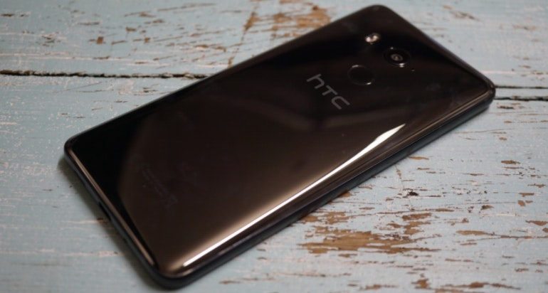 HTC U11 Plus ceramic black back of the phone