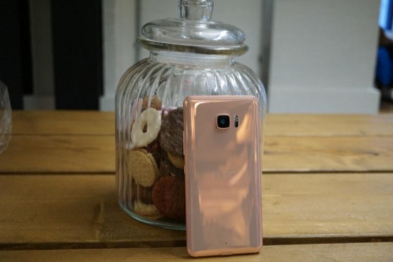 HTC Ultra pink