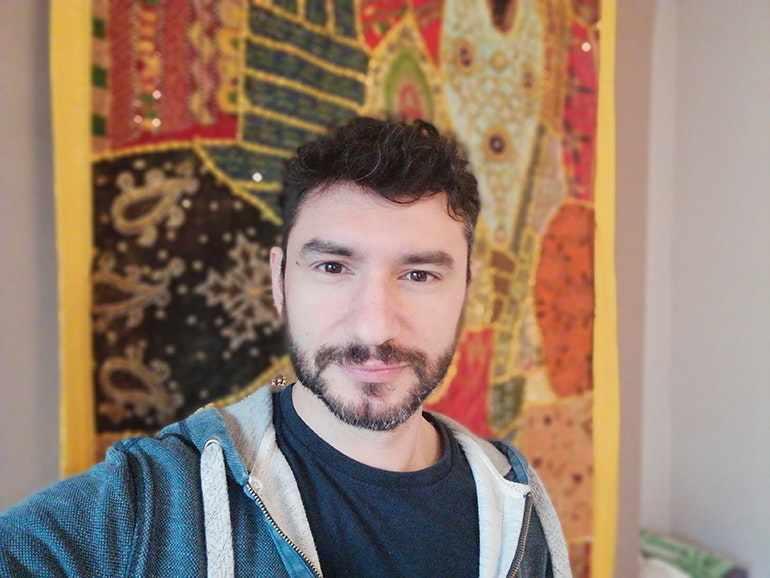 Huawei-P-smart-camera-sample-Luigi-selfie