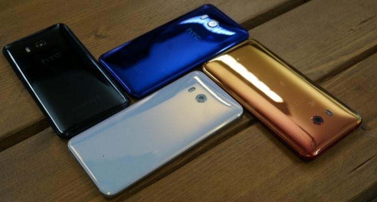 HTC U 11 colourways arranged