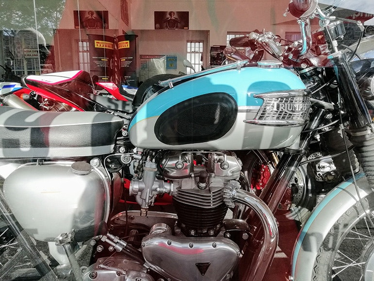 Huawei-P-smart-camera-sample-motorbike