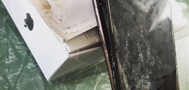 iPhone 7 explodes in transit to new owner