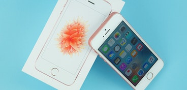 giffgaff cuts iPhone SE price