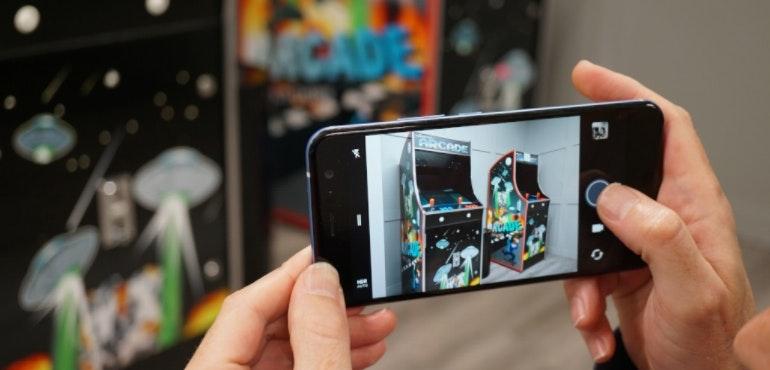 HTC U11 camera in action hero image