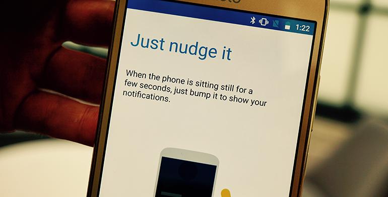 Motorola Moto G5 review gesture 2