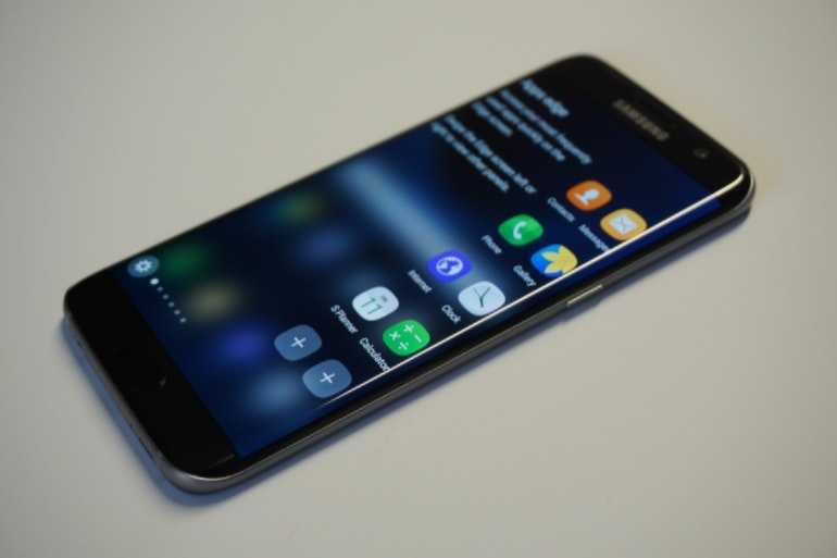 Samsung Galaxy S7 and S7 Edge Review - Apps Edge