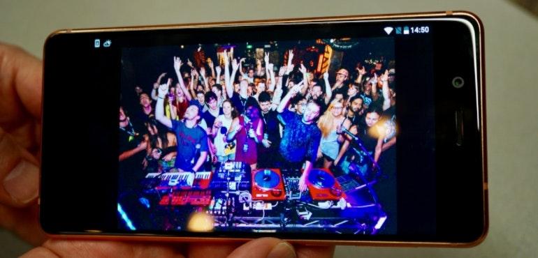 Nokia 8 screen hero size