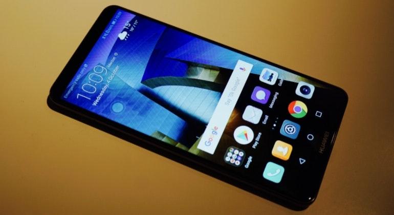 Huawei Mate 10 handset homescreen