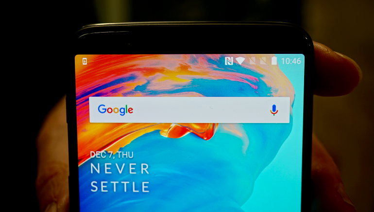 OnePlus 5T top of the screen