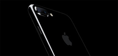 Jet black iPhone 7 Plus sold out until November