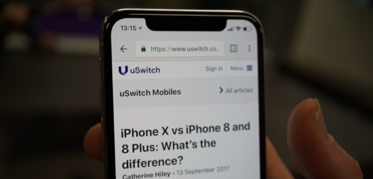 Apple could drop notch from 2019 iPhones