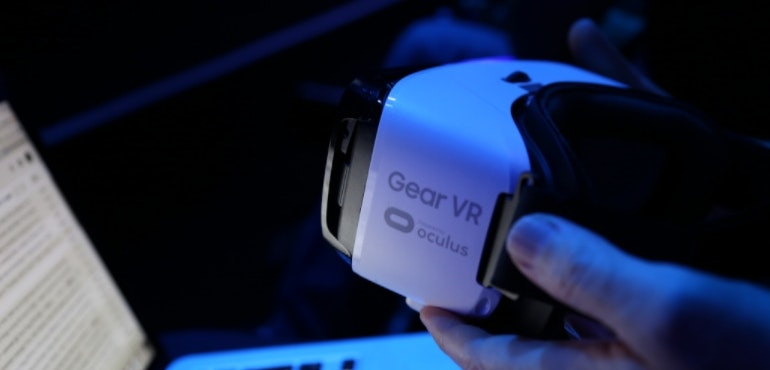 Samsung Gear VR new angled