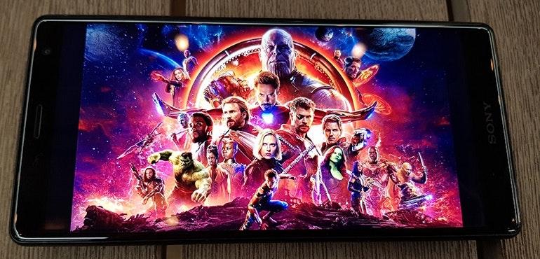 Sony-Xperia-XZ2-full-screen-movie