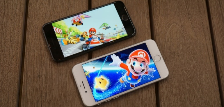 iPhone 8 Super Mario 2 phone screens hero image